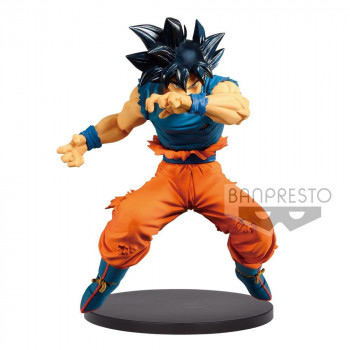 ESTATUA SON GOKU ULTRA...