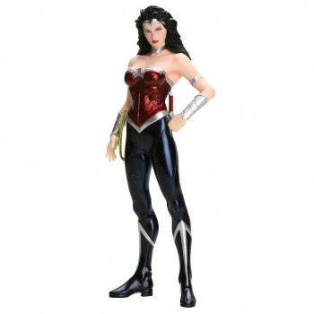 ESTATUA WONDER WOMAN (THE NEW 52) PVC ARTFX 19cm. DC COMICS